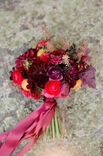 букет невесты осень фиолетовый
