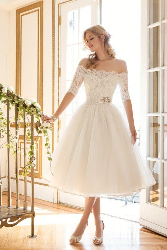 Платье на свадьбу короткое